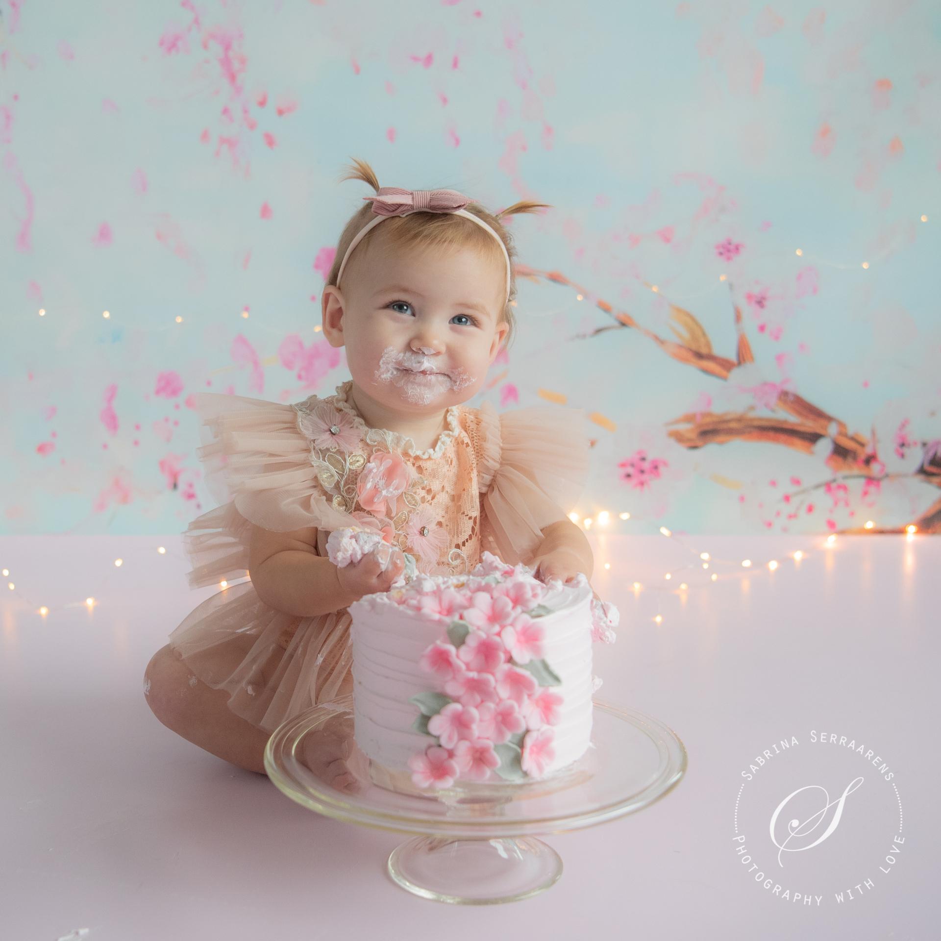 Photography with Love Sabrina Serraarens bloesem cakesmash Yuki LR-2